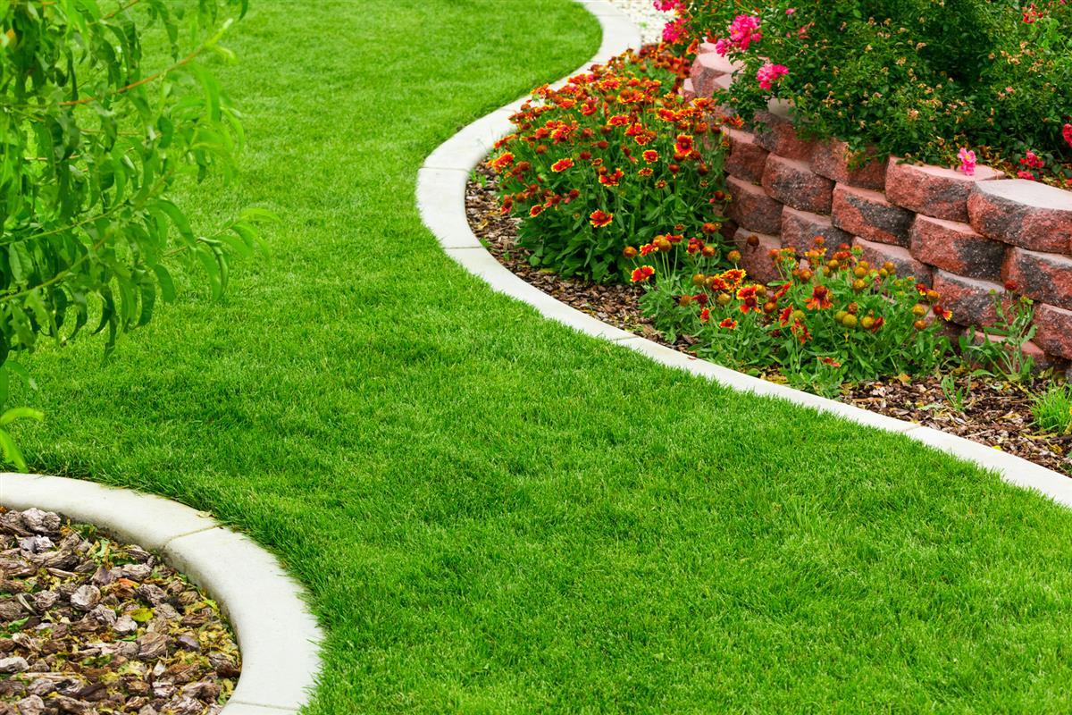 Jardin la fran aise amenagement jardin morbihan for Tarif de tonte de pelouse